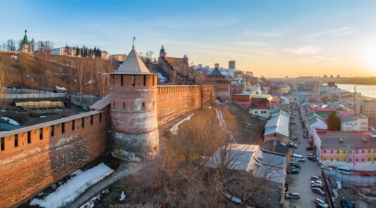 Нижегородская крепость в лучах заходящего солнца