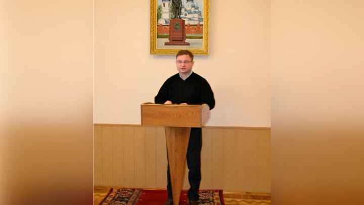 Зарабатывал на стройматериалах военной базы: чиновнику из Троицка стало плохо после допроса