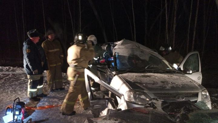 В жутком ДТП под Кировградом погиб человек и ещё пятеро пострадали