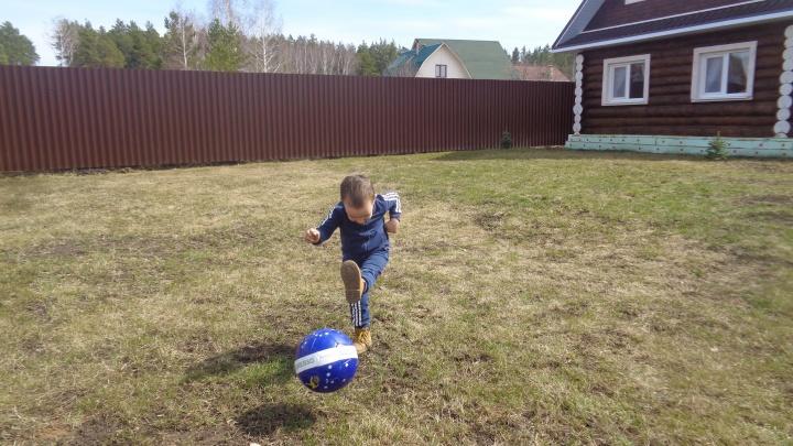 Ответ депутату Косареву: недоношенные дети показали, как играют в футбол