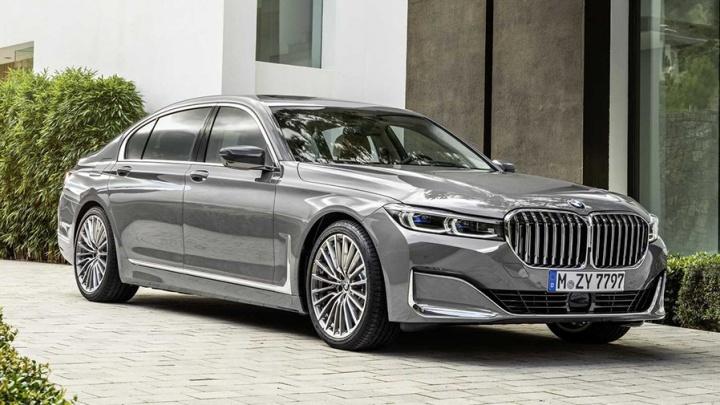 Вот это личико: BMW показала новую «семёрку» с гигантскими ноздрями от большого джипа