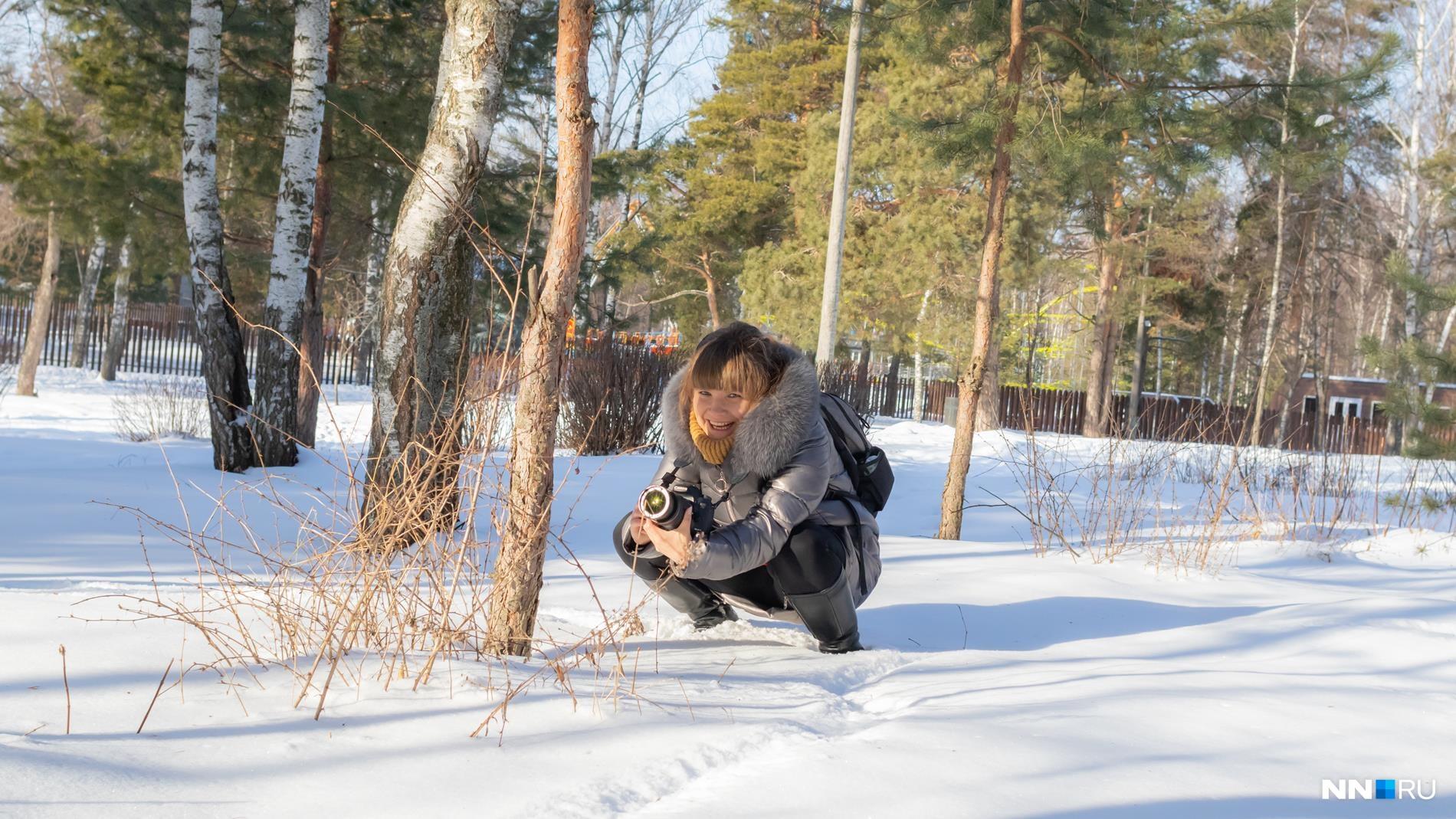 Не так-то просто сидеть на корточках в снегу, но главное позитивный настрой