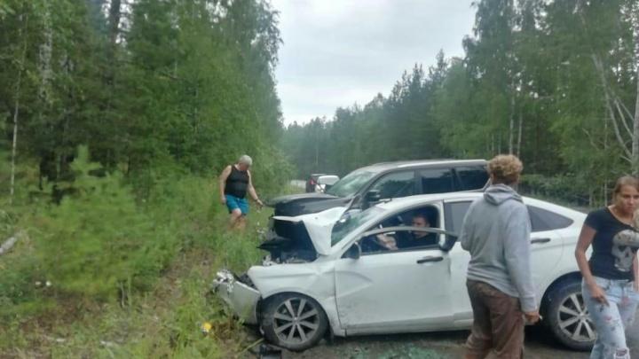 Момент столкновения Lexus владельца Среднеуральской птицефабрики и «Лады» попал на видео