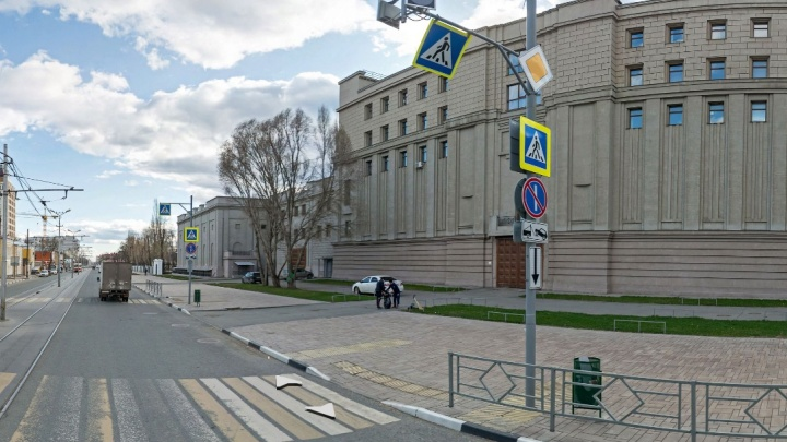 Самарцы пожаловались Азарову на эвакуаторы, которые увозят авто любителей балета