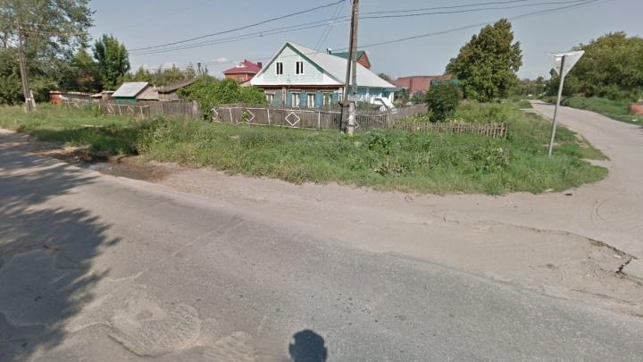 Влетел в яму: владелец дорогого спорткара отсудил у мэрии Самары 2,2 миллиона рублей