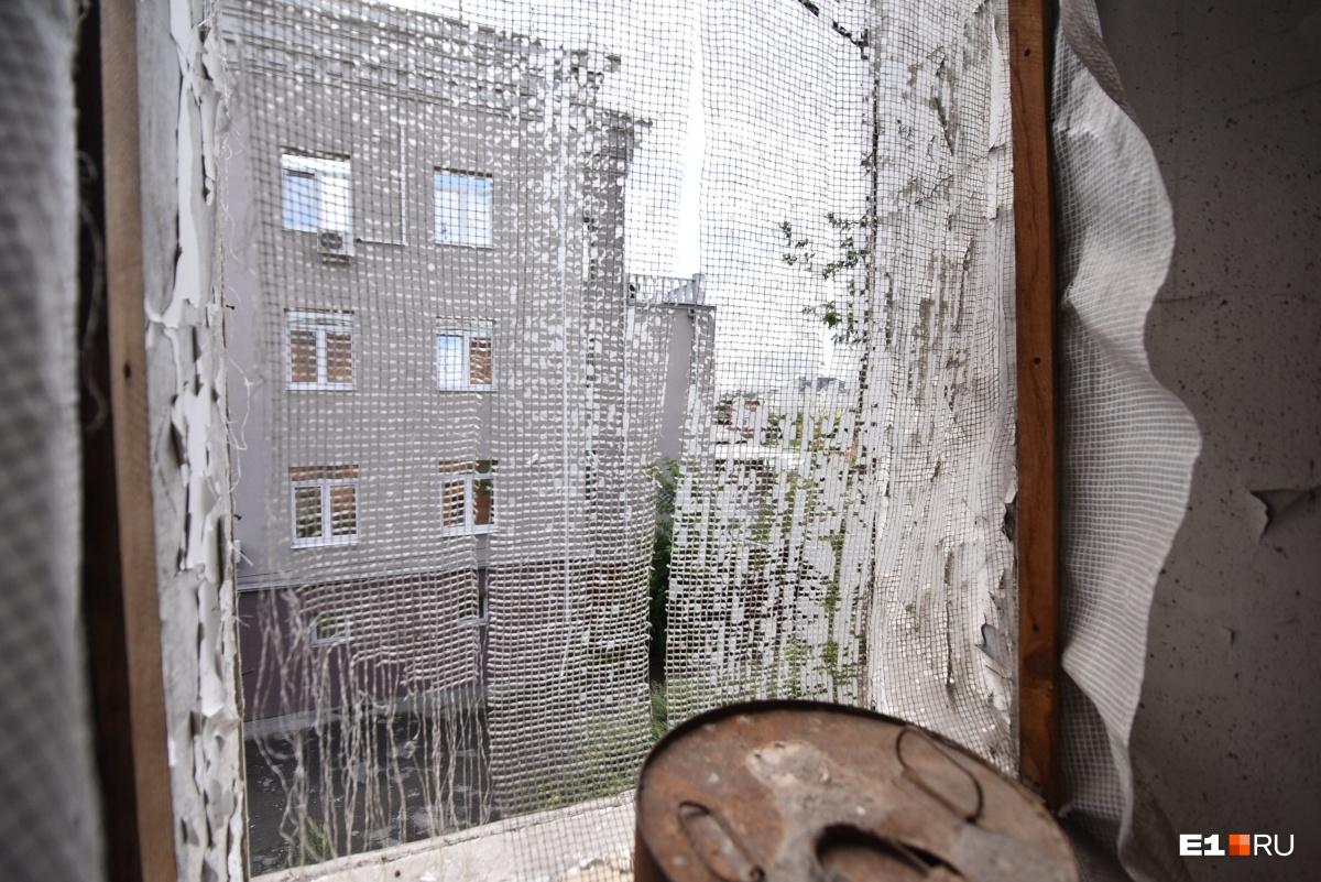 Мекка для интеллектуалов: гуляем по заброшке в центре Екатеринбурга, которую превратят в Дом шахмат