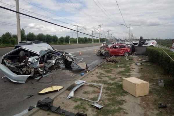 В аварии на мосту погибли два человека