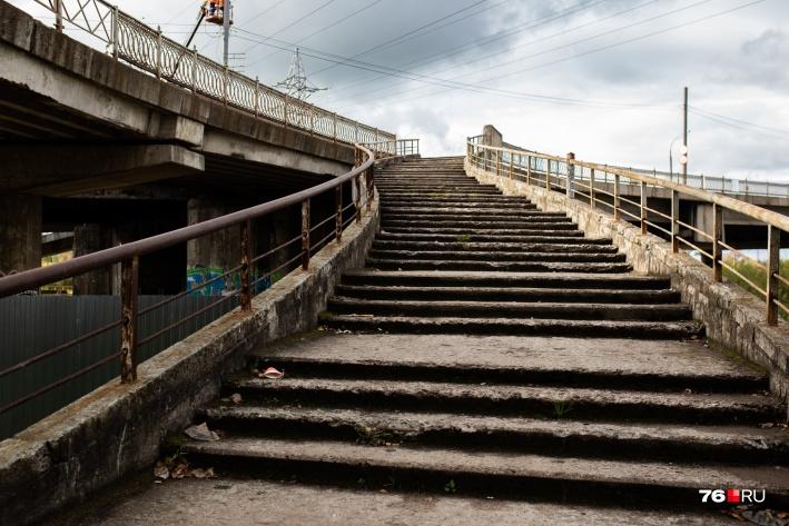 Удручающее состояние моста