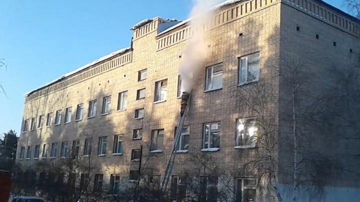 Следователи начали искать связь между нападениями на три российские школы