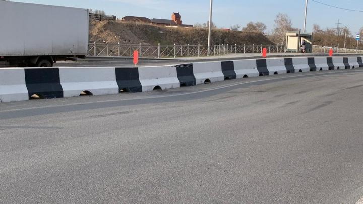 На самой новой дороге Новосибирска просело 5 метров асфальта