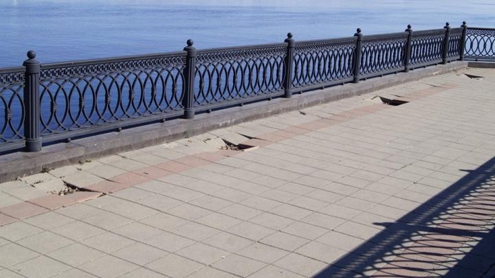 В Ярославле провалился нижний ярус Волжской набережной