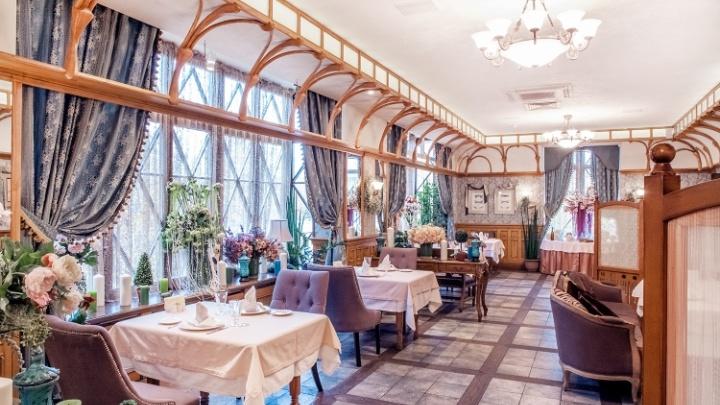 Ресторатор, который открыл в Екатеринбурге «Троекуровъ» и «Бельмесы», обанкротился