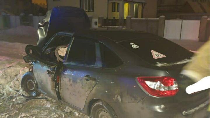 Появилось видео аварии с «Ладой-Грантой» и Volkswagen Polo под Уфой
