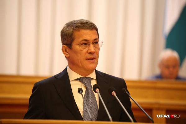 Радий Хабиров лидирует в подсчетах голосов