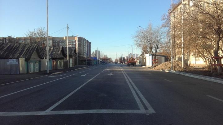 На обновленной Полевой появилась разметка: рассказываем, когда улицу откроют для транспорта