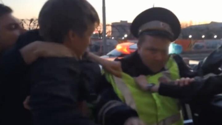 Обвинивший полицию в побоях пьяных дебошир из «Мерседеса» оказался злостным нарушителем