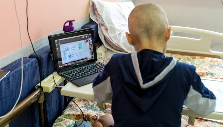 «Ставит лечение под угрозу»: краевые депутаты попросили Минздрав РФ вернуть зарубежные лекарства от рака