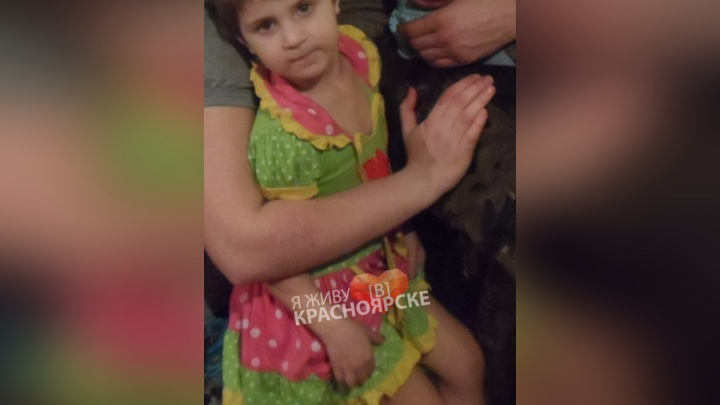 Девочку с ожогами от разорвавшегося баллона привезли на вертолете в Красноярск