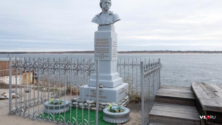 «У нас тут свой Шиес»: волгоградцы пишут Путину о превратившейся в мусорку набережной Высоцкого