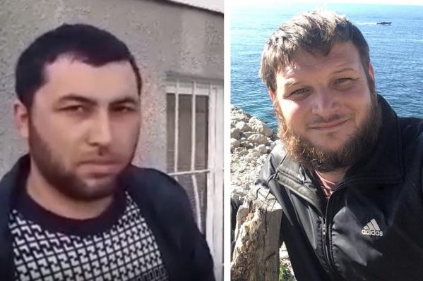 На снимке двое из трех активистов, задержанных в Ростове
