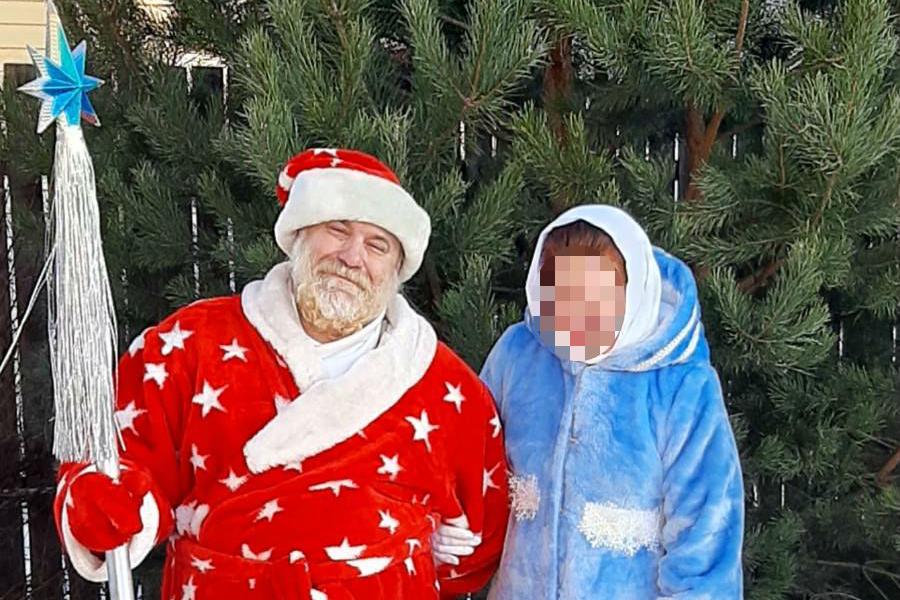 Алексей говорит, что их с женой костюмы понравились всем посетителям кафе