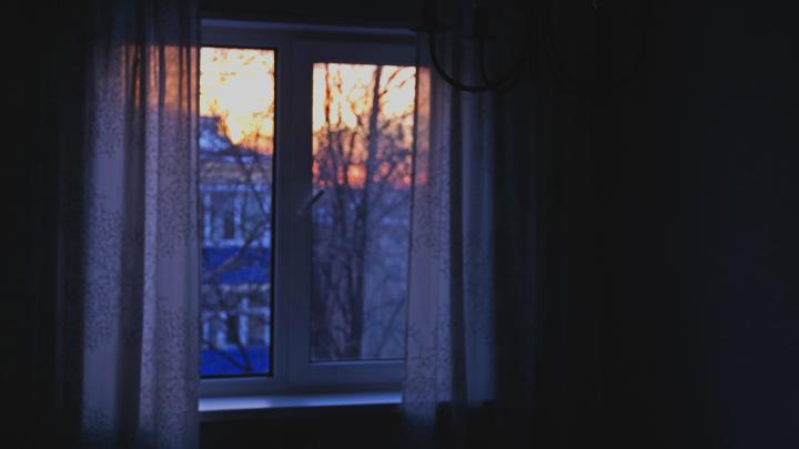 Тепло, не уходи! 9 способов согреть квартиру коробками, фольгой и открытым холодильником