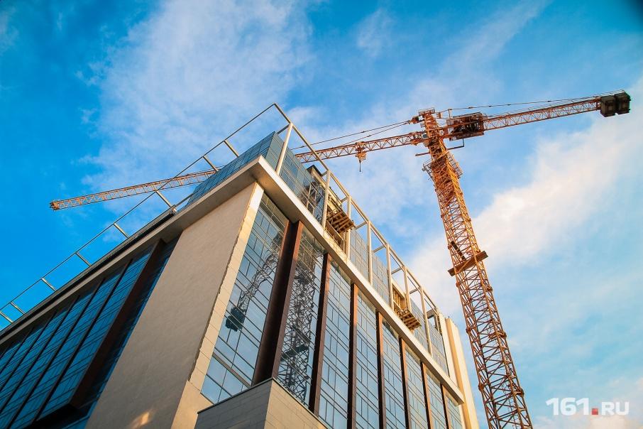 Новый инвестор, имя которого официально не объявили, уже оплачивает строительные работы