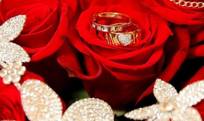 В Самарепары, живущие в браке более 25 лет, наградят медалями