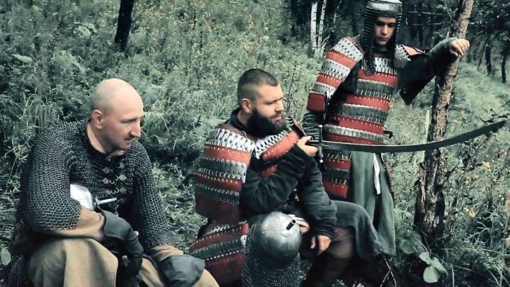 Омичи с саблями и ружьями снялись в документальном фильме