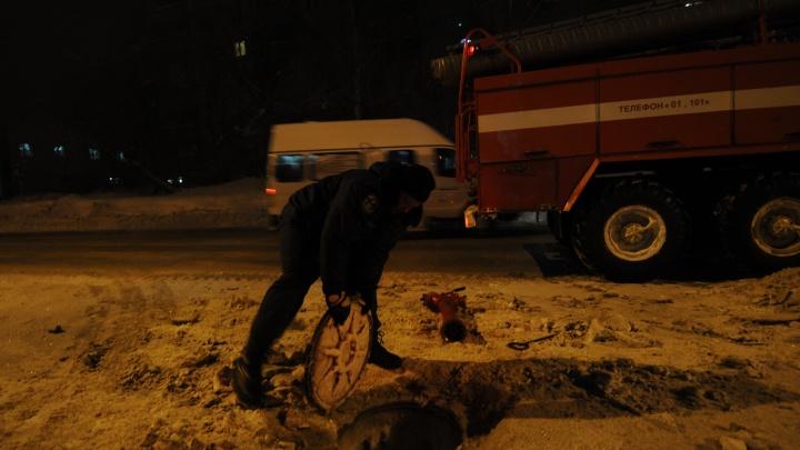 На Расточке вспыхнул дом: 12 человек эвакуировано, пострадал ребёнок