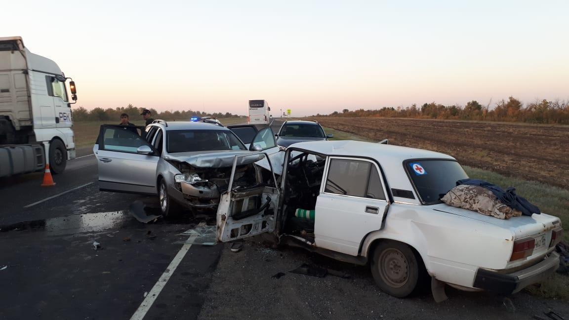 Все три пассажира легковушки погибли до приезда медиков