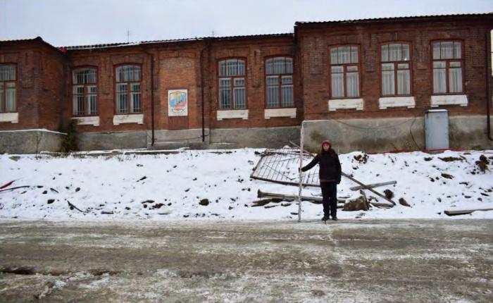 Земская школа была построена в 1914 году и включена в реестр объектов культурного наследия