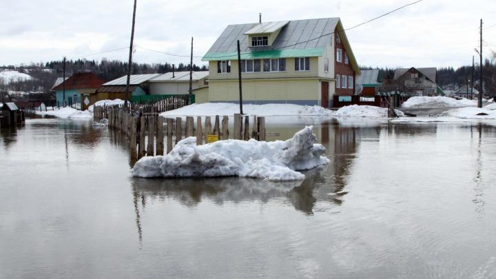 «Чтобы не эвакуировать людей»: власти начали следить за уровнем воды в челябинских посёлках