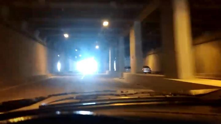 Автомобилисты Уфы потребовали от мэра сделать нормальное освещение в проблемном тоннеле
