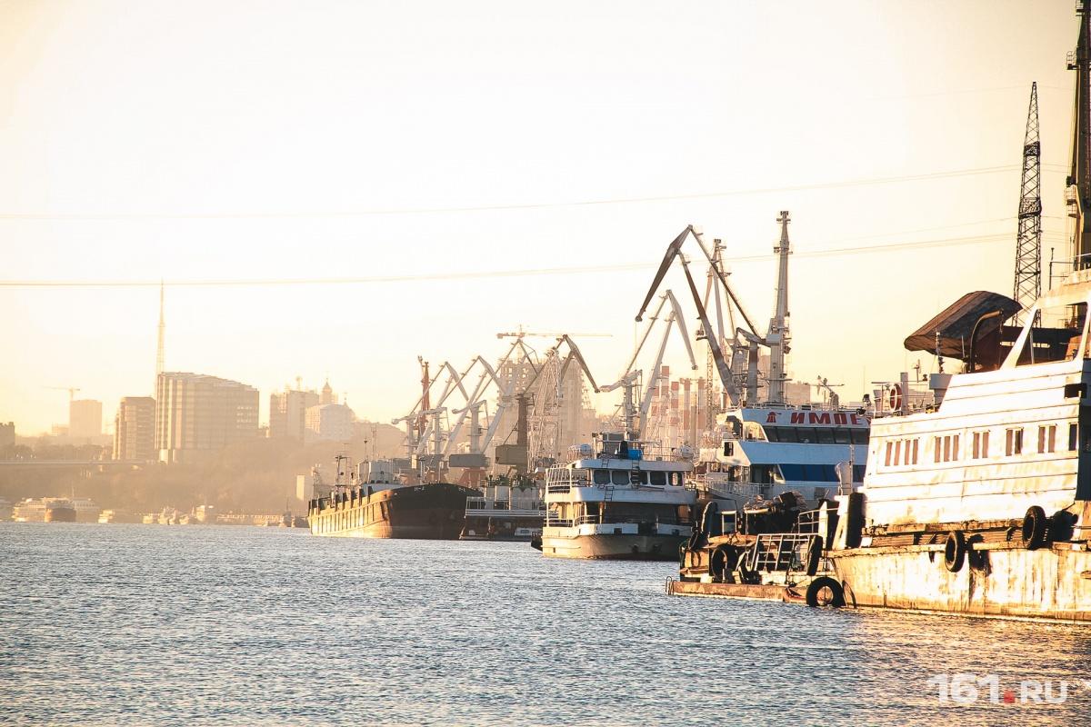 Два судна компании сейчас находятся в Ростовской области