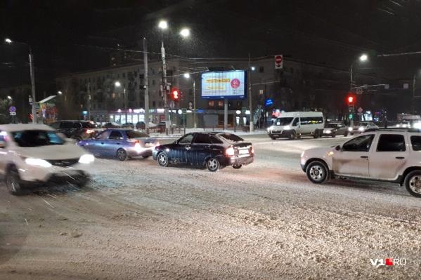 В Волгограде произошло семь автомобильных аварий