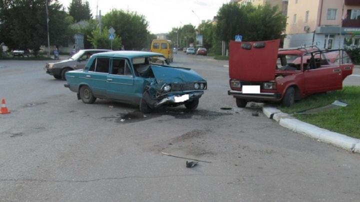 В Катайском районе в дорожной аварии погибла пенсионерка