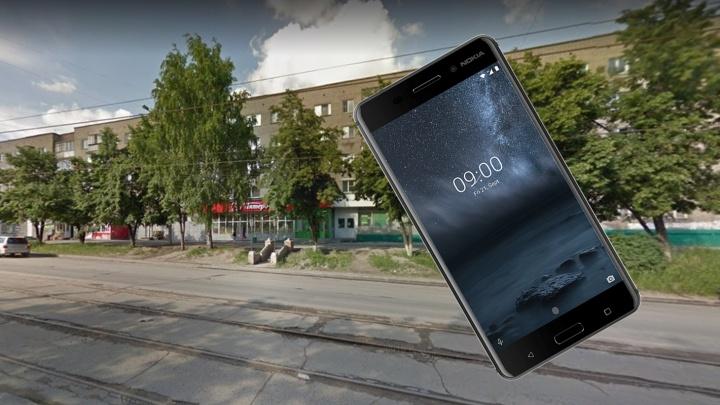 Сибирячка взяла с полки в «Пятёрочке» забытый телефон Nokia и пошла под суд