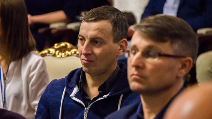 Пятерым отцам-одиночкам подарили по 30 тысяч рублей