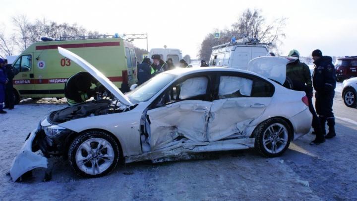 «Женщина-водитель в органах работает»: в аварии под Уфой, где разворотило BMW, пострадали 6 человек