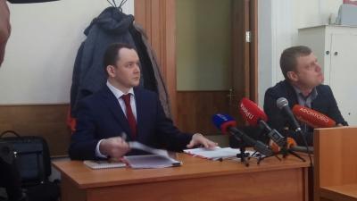 «Мне трудно назвать себя мошенником»: репортаж из зала суда над экс-депутатом Аркадием Волковым