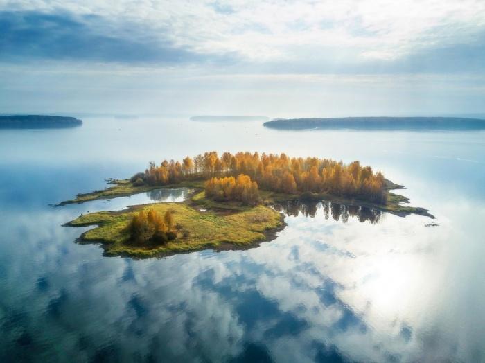 Тот самый парящий остров на Волчихинском водохранилище
