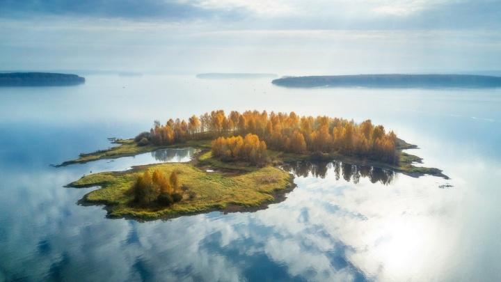 Снимок парящего острова на Волчихинском водохранилище победил в международном фотоконкурсе