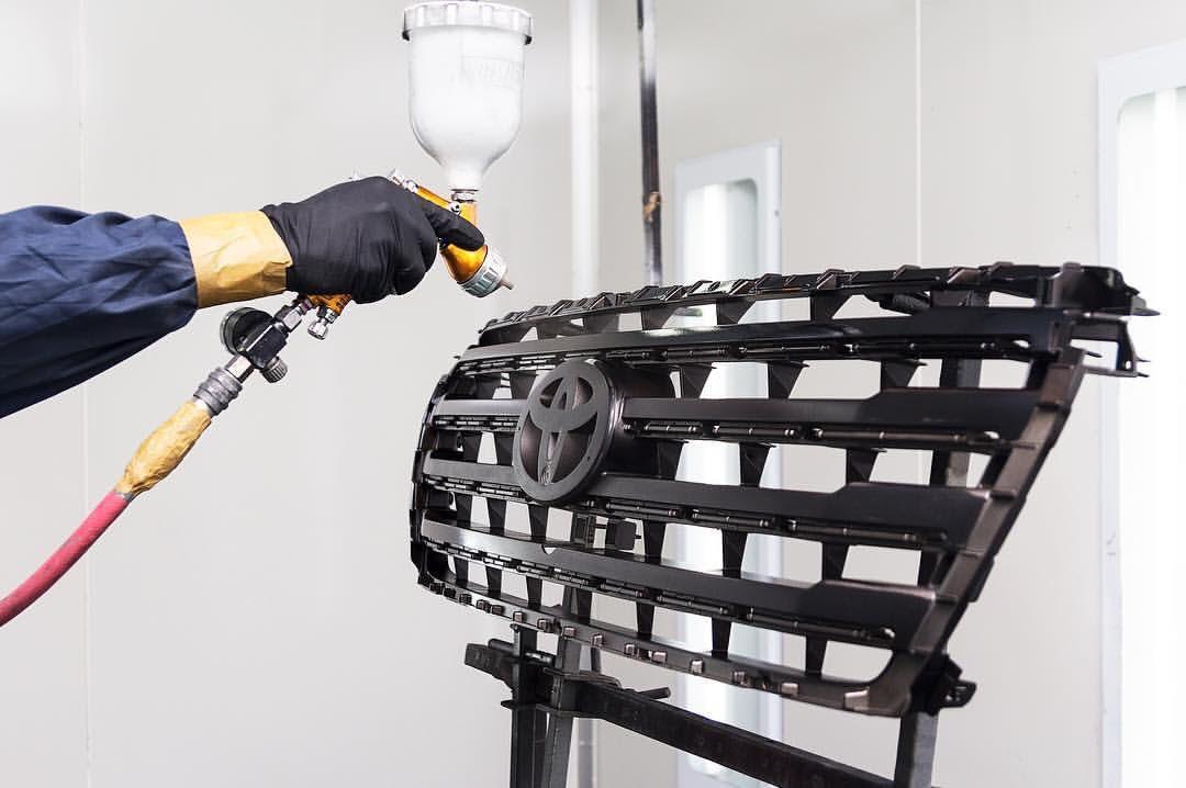 Сеть честных центров локального кузовного ремонта VRRUM — для тех, кто стремится к высокому качеству и ценит свое время и деньги
