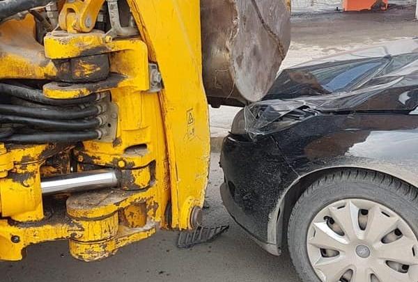 Водитель Ford Focus сбил двух дорожников на трассе Уфа — Оренбург