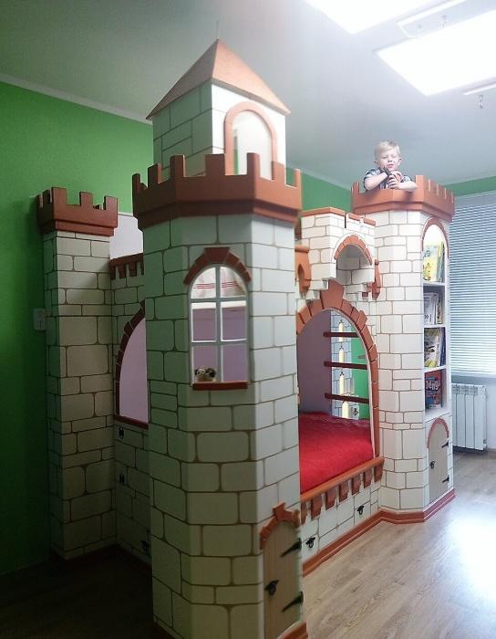 Новосибирец сделал такой замок примерно за полгода
