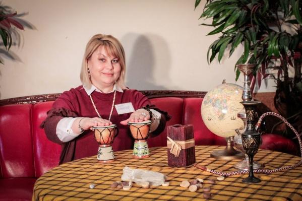 Психолог Инна Коваленко считает, что сложнее всего входить в рабочий режим после праздников сотрудникам офиса