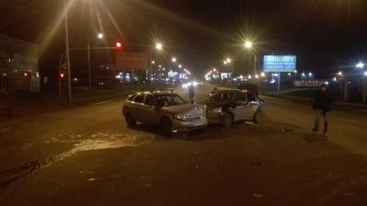 Водитель «Лады» бросил машину и сбежал после ДТП на Гусинобродском шоссе