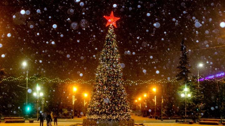 Фотограф запечатлел заснеженный рождественский Волгоград