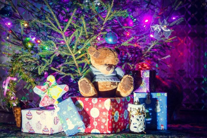 Сироты просят у Деда Мороза мягкие игрушки и шуруповёрты